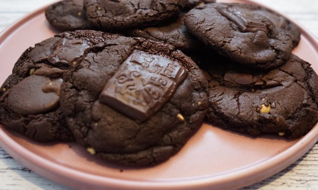 Dark Chocolate and Almond Butter Cookies